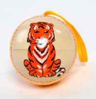 "Ёлочная игрушка шар ""Провожаем тигра"""
